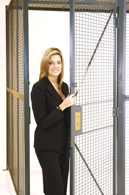 Style 840 Woven Wire Partitions
